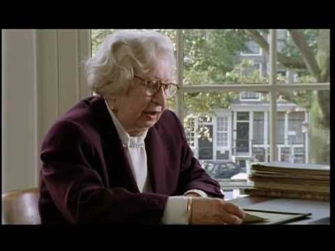 Miep Gies tells about giving the diary of Anne Frank to her father, Otto after he learned of his daughter's death.