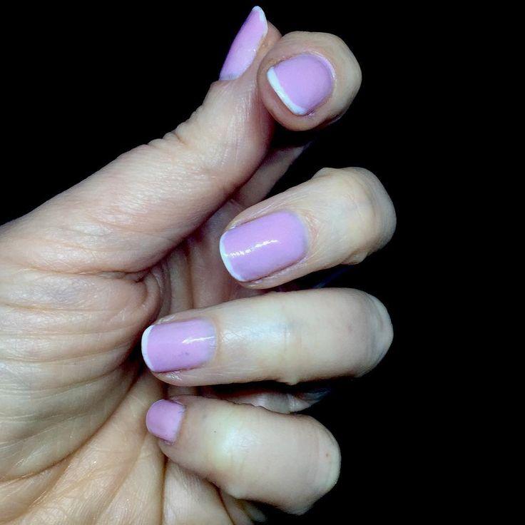 Manicura francesa  con esmaltes en gel semipermanente. Para llevar tus uñas arregladas durante 3 semanas      #uñas #uñasdegel #peluqueria #estetica #salondebelleza #manicura #manicurafrancesa #manicurasemipermanente #nails #nail #nailsalon #nailstagram #uñasrosas #pink #rosa #pinknails #cerdanyola #barcelona #hairdresser #manicure #happynewyear #reyes