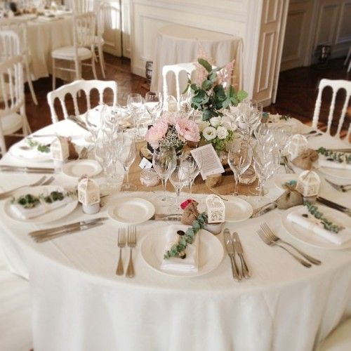 Toile de jute pour centre de table d co champ tre annonces dentelle ww d co table Centre table mariage plage idees
