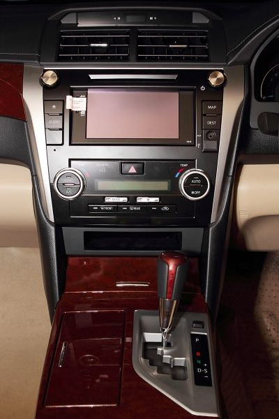 ALL NEW CAMRY 2.5 V - Interior