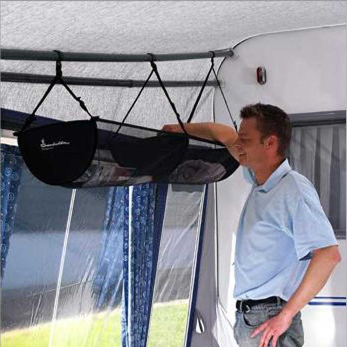 TopOrganizer placeras på valfri extra överliggare. Nätet är ställbart, och TopOrganizer tål en belastning på 5 kg.