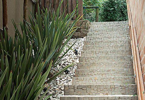 Pedra Portuguesa conheça a pedra portuguesa, o revestimento dos calçadões do Rio. CONFIRA como decorar a sua casa usando revestimento de PEDRA PORTUGUESA.