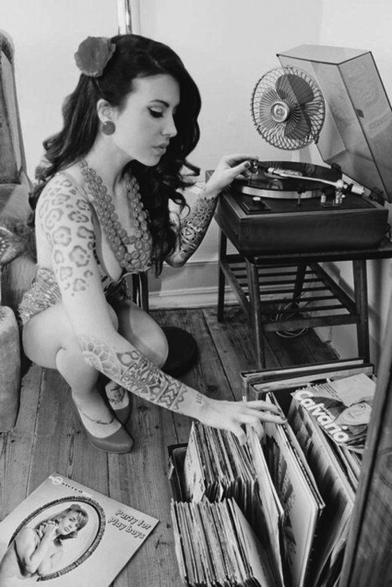 Mujeres y vinilos una combinaci n fascinante music - Posters de vinilo ...