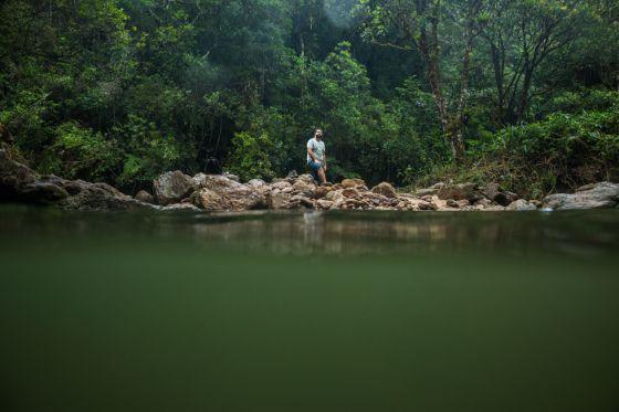 A selva de pedra também tem um lado verde. E, apesar da seca, uma das maiores cidades do país abriga cachoeiras de fácil acesso