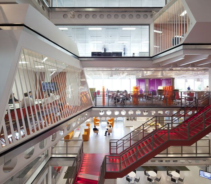 world of architecture: Macquarie Group London Office by Clive Wilkinson