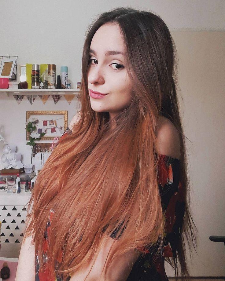 Aquela que cê só posta por causa do cabelo 😛 ~ E tbm pra avisar que mais tarde sai vídeo novo no canal 🎥💖