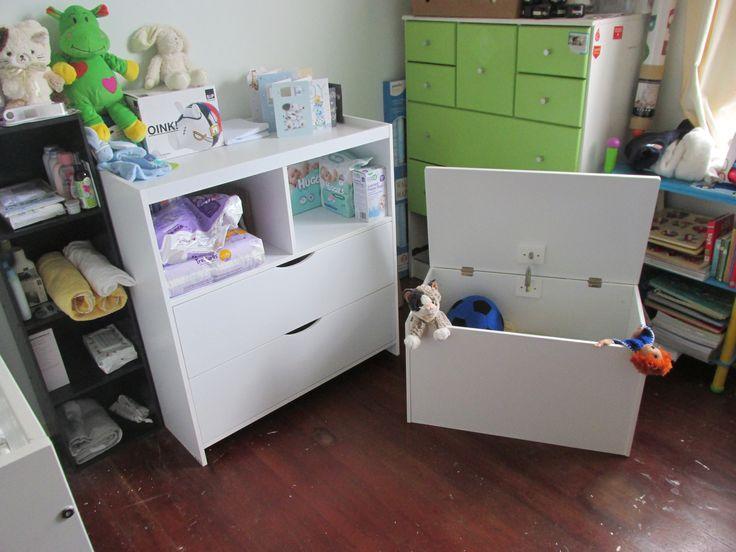 Mocka Change Table and Toybox