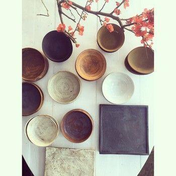 主役を惹きたてる美しい色や形。料理の種類別に「器」を選んでみよう