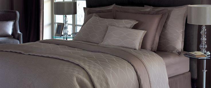 Yves Delorme Parure de lit en coton peigné d'Égypte satin damassé coloris café crème Points