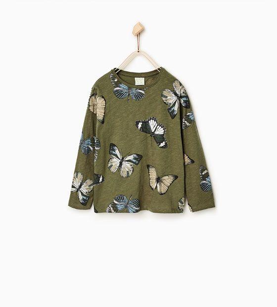 T-skjorte med sommerfuglmotiv