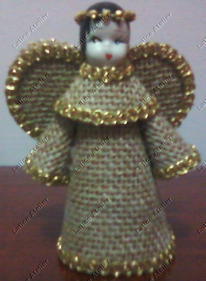 Anjinho natalino de juta. Tamanho: 12x6 cm. É preciso encomendar. #anjo #anjojuta #natal #christmas