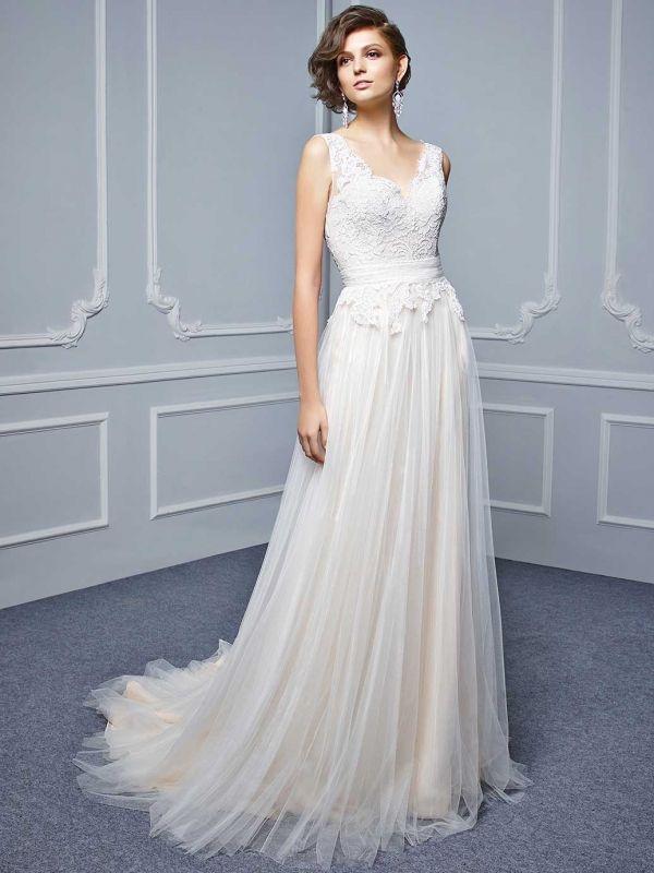 Szukasz wyjątkowej, eleganckiej a zarazem oryginalnej sukni ślubnej? Sprawdź model sukni Beautiful 17_28