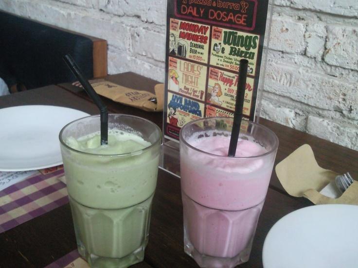 Green Tea + Strawberry Milkshake @ Pizza e Birra