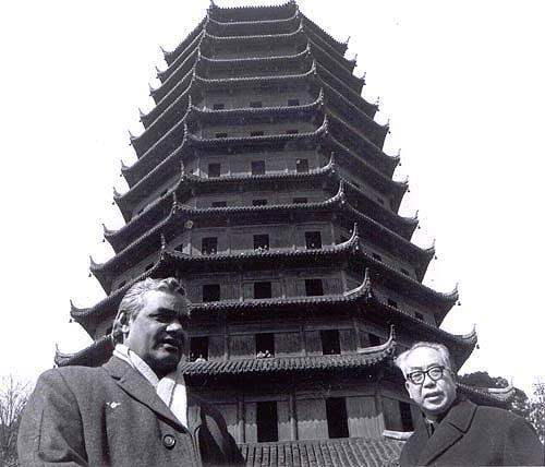 1979 :: Shri Atal Bihari Vajpayee at the Pagoda  in Hangzhou , China  #BharatRatna