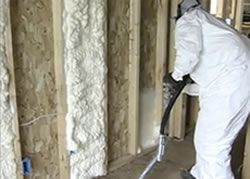 Insulating with polyurethane foam