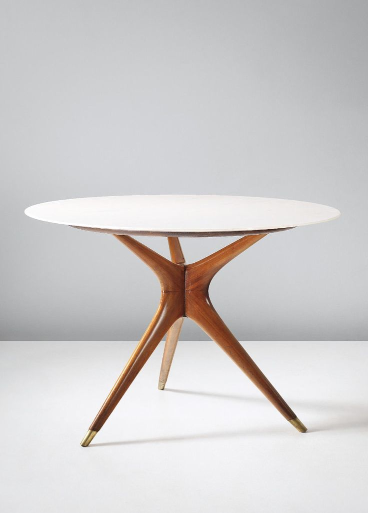 Ico Parisi; Carrara Rosato Marble, Walnut and Brass Side Table for Ariberto Colombo, 1949.