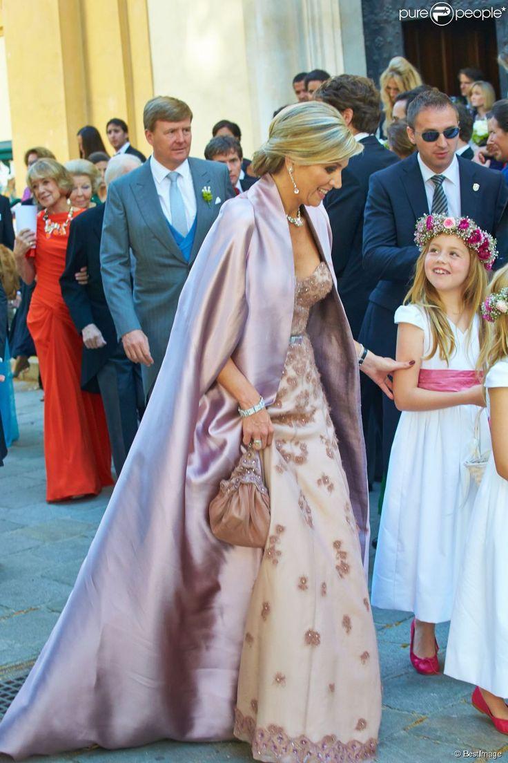 La reine Maxima des Pays-Bas et sa fille la princesse Ariane au mariage de Juan Zorreguieta et Andrea Wolf, le 7 juin 2014 à l'&eacut...