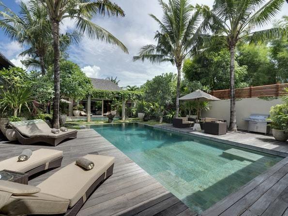 Eshara Villa 1 Top 10 Luxury Villas In Seminyak Bali Trip101 Seminyak Is A Popular Area In Bali There Luxury Villa Luxury Villa Rentals Luxury Retreats
