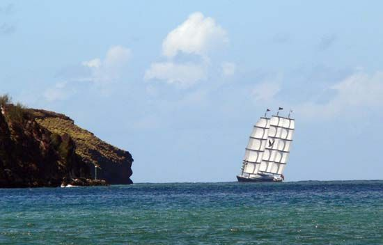 Voilier Maltese Falcon à Taiohae, Nuku Hiva, Marquises