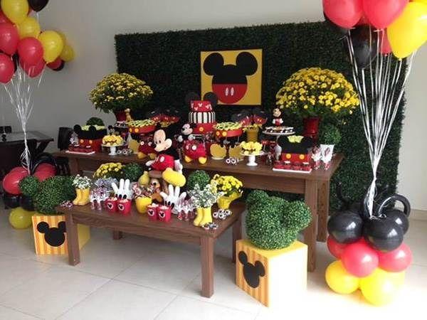 Festa de aniversário do Mickey Mouse com fata decoração, super bem produzida
