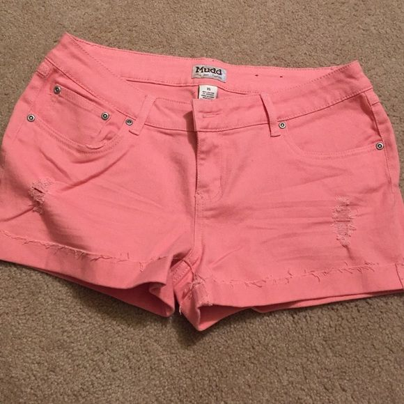 Peach shorts Cute peach shorts! Please ask to see more photos of interested! Mudd Shorts Jean Shorts