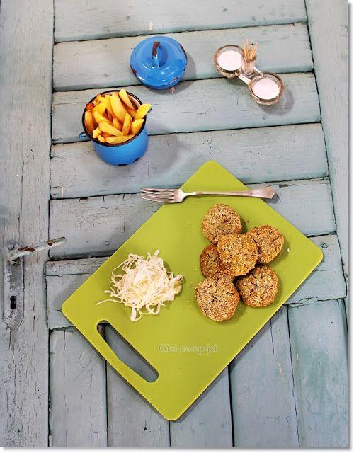 Gizi-receptjei.  Várok mindenkit.: Brokkoli fasírt sült krumplival.