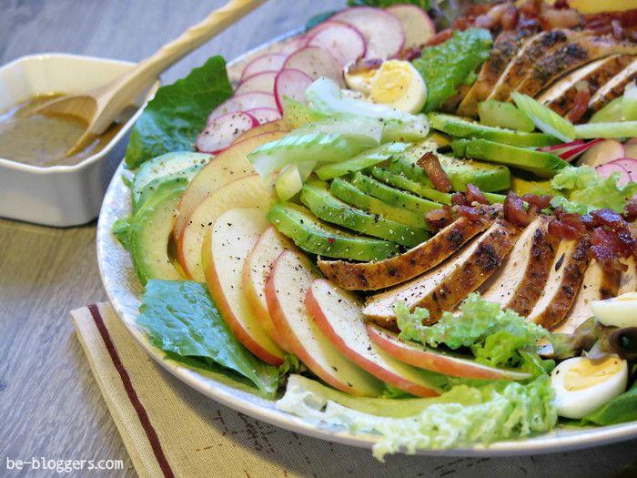 Кобб салат, салат с индейкой, красивая подача салата, фото, рецепт