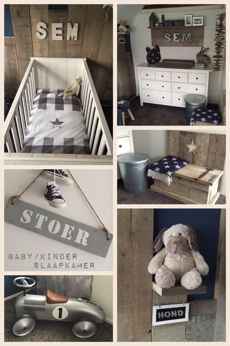 Stoere Baby/Kinderkamer van onze zoon met Steigerhout, Denim-blauwe verf, Sterren en Zink.