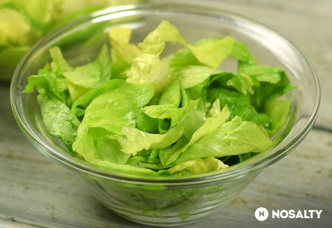 Ecetes-fokhagymás fejes saláta