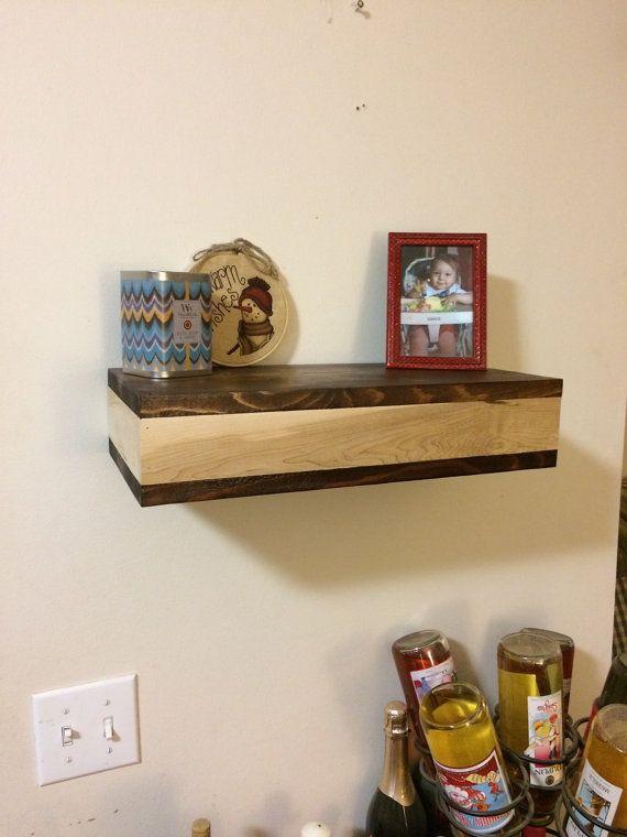 Rústico madera flotante estante con compartimento oculto