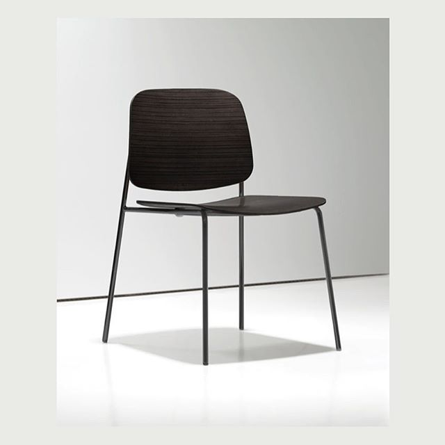 Sonar 3/ organic graphic Sonar chair for #BernhardtDesign #altherr #lievorealtherr #lievorealtherrmolina