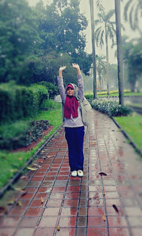 i was crazy in the rain at depok town
