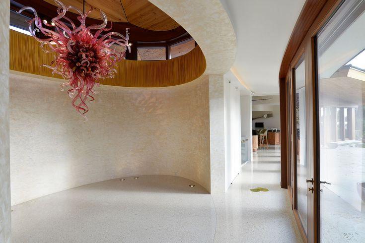 Best Located On Jupiter Island 2 Story Custom Built Residence 400 x 300