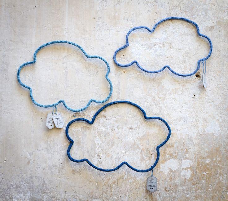 Nuages en laine · Wool clouds · Bordeaux  par Les Mots en Laine · Cadeau de naissance · birth gift idea http://motsenlaine.tumblr.com