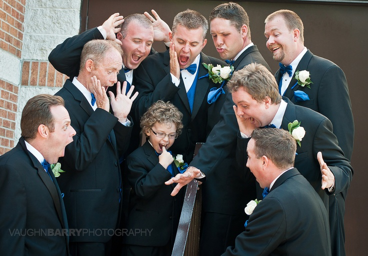 Funny Groomsmen Photo | Vaughn Barry Photography
