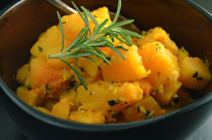 When sweet butternut squash is sauteed with garlic and fresh thyme in coconut oil, the result is this delicious vegan & Paleo butternut squash recipe!