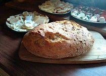 Skvělý domácí chleba z trouby, hotový za pár minutek