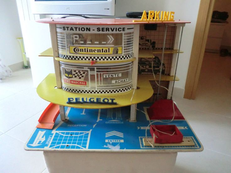 17 best images about toy service station on pinterest for Tre kit di garage per auto