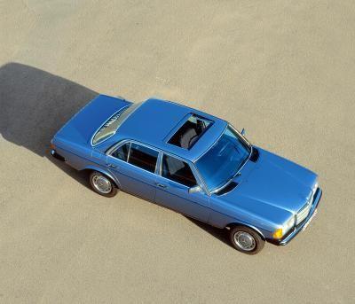 List View | Daimler Global Media Site > Classic > Mercedes-Benz Cars > E-Class