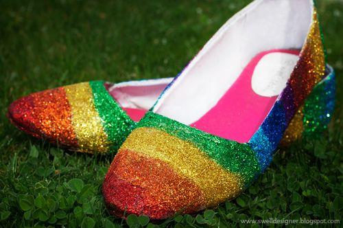 Colorido decorado de zapatos con glitter