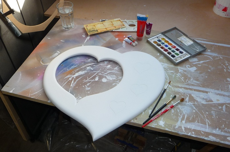 Preping to paint the Love hart mirror for Valentines day. Here is my set up...