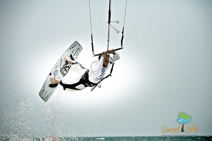 Kite Surf. What a marvelous and fascinating sport? Learn hoe to plane over the waves of Peloponnese via LandLife