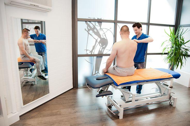 Bedrijfsfotografie spiegel fysiotherapie FYSIOCENTER BLADEL. Foto door Marijke Krekels Fotografie