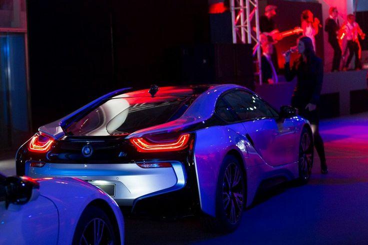 Supercar hybride BMW i8 : premières livraisons en Allemagne !
