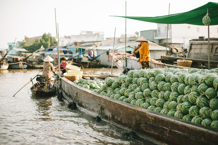 "Vietnam Travel Tips // floating market ""Cai Rang"" in Can Tho"