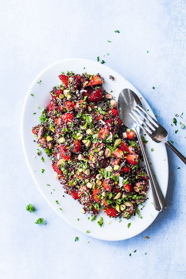 Fresh and easy salad with strawberries, quinoa and pistachios. Serve with grilled lamb or beef. Click here and grab the recipe