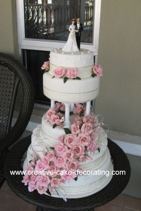 wedding cakes with pillars 2576 best more wedding ideas images on 26077