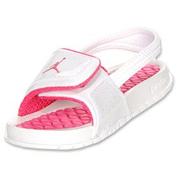 The Jordan Hydro 2 Toddler Sandal is the perfect recovery slide to comfort your feet after a long game. Pink Jordan details add sophistication. Patent leather with an adjustable VELCRO brand fastener strap. Lightweight Phylon outsole and injected TR massage footbed soothe key performance areas of the foot.
