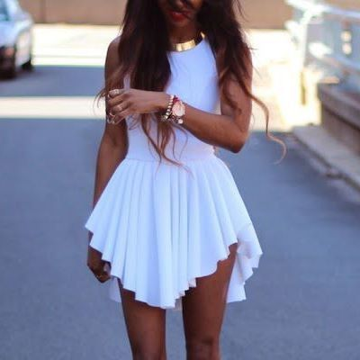 I think the cut of this dress would be perfect for anybody with the body shape of an inverted triangle like myself
