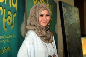 Tutorial Gaya Hijab ala Zaskia Adya Mecca - Jilbab Model